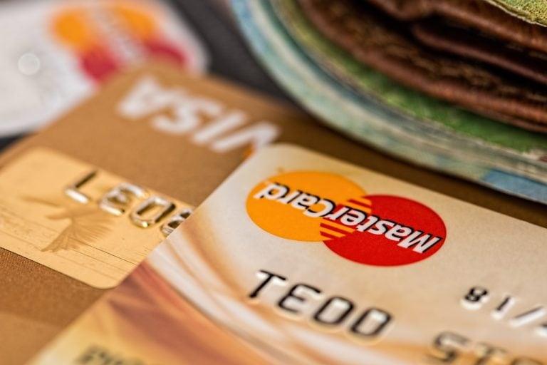 betala räkningarna kreditkort