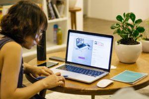Arbeta hemma och tjäna pengar på distans